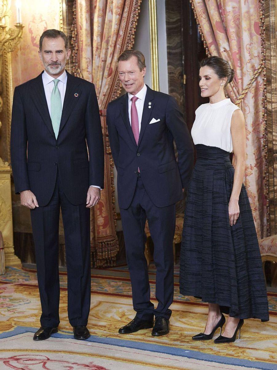La reine Letizia et le roi Felipe VI d'Espagne avec le grand-duc Henri de Luxembourg à Madrid, le 2 décembre 2019