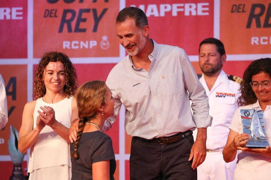 Le roi Felipe VI d'Espagne et l'infante Elena à la remise des prix de la Copa del Rey à Palma de Majorque, le 4 août 2018