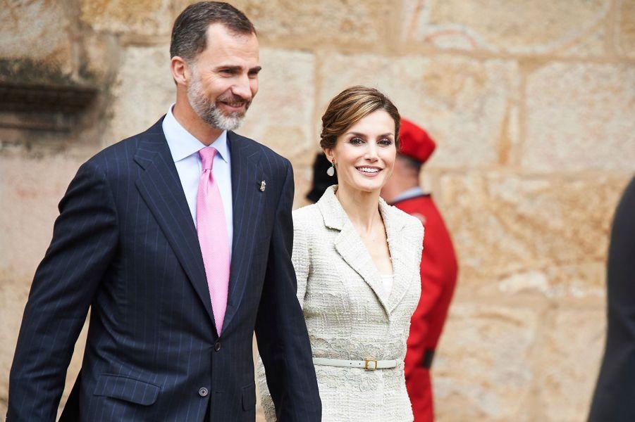 La reine Letizia et le roi Felipe VI d'Espagne au monastère San Salvador de Leyre, le 10 juin 2015