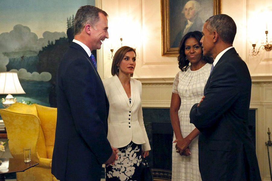 La reine Letizia et le roi Felipe VI d'Espagne avec Barack et Michelle Obama à la Maison Blanche à Washington, le 15 septembre 2015