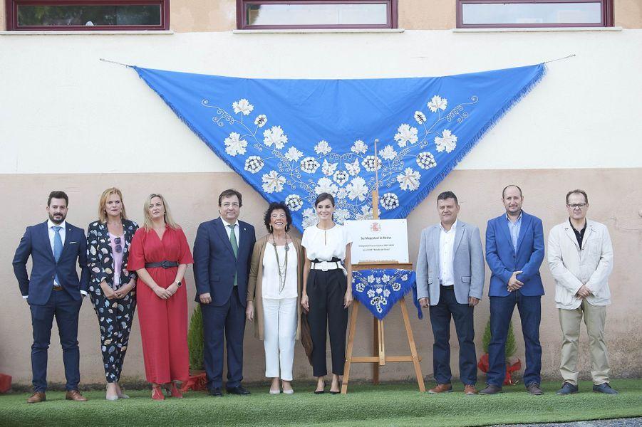 La reine Letizia d'Espagne dans une école maternelle et primaire à Torrejoncillo, le 17 septembre 2019