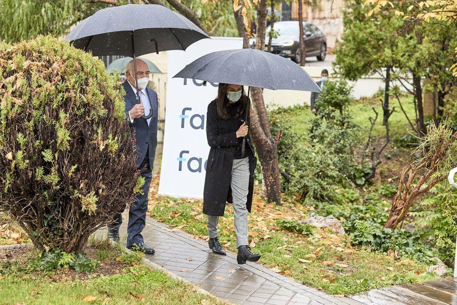 La reine Letizia d'Espagne arrive à la FAD à Madrid, le 5 novembre 2020