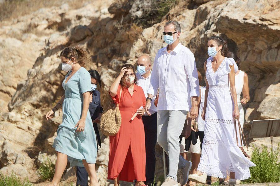 La reine Letizia et le roi Felipe VI d'Espagne sur l'île d'Ibiza, le 17 août 2020