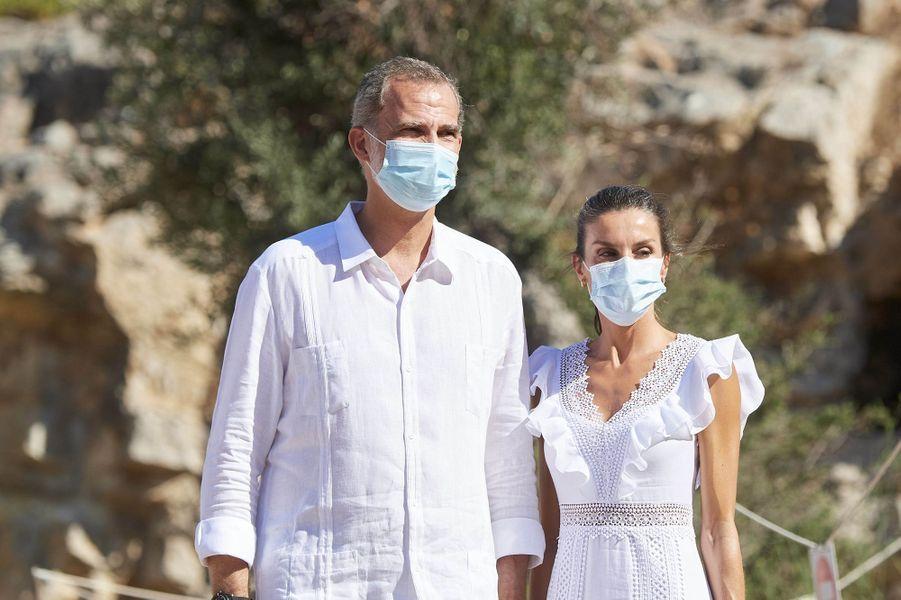 La reine Letizia et le roi Felipe VI d'Espagne, le 17 août 2020 sur l'île d'Ibiza aux Baléares
