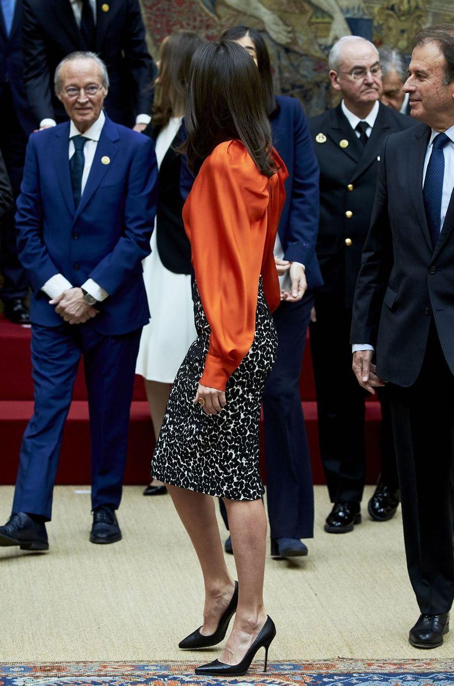 La reine Letizia d'Espagne, de profil, à Madrid le 3 mars 2020