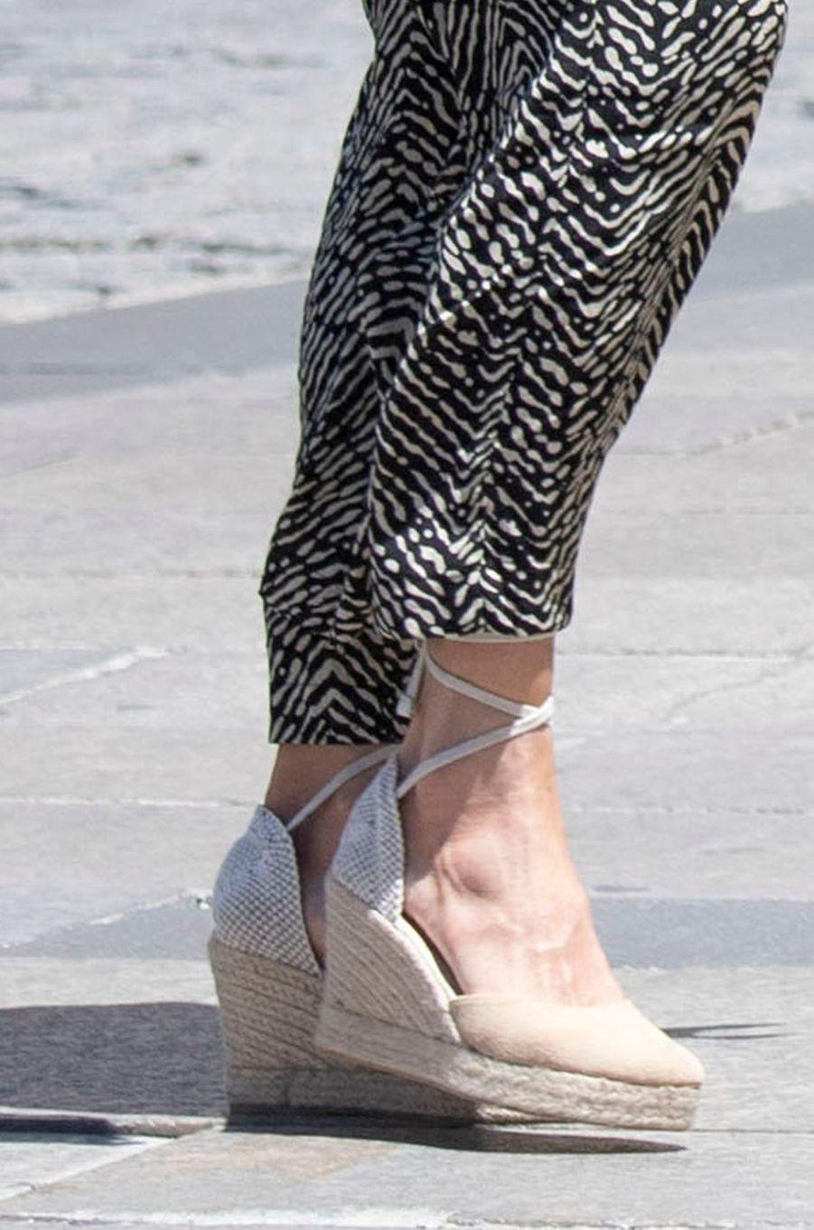 Les chaussures de la reine Letizia d'Espagne à Cuenca, le 2 juillet 2020