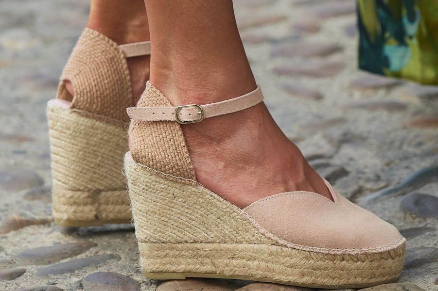 Les chaussures de la reine Letizia d'Espagne en Andalousie, le 29 juin 2020