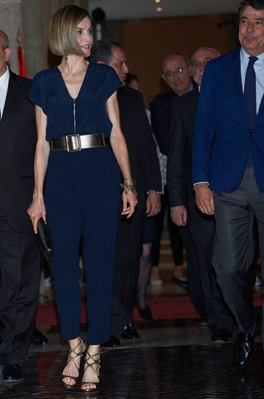 La reine Letizia d'Espagne à Madrid, le 21 avril 2015