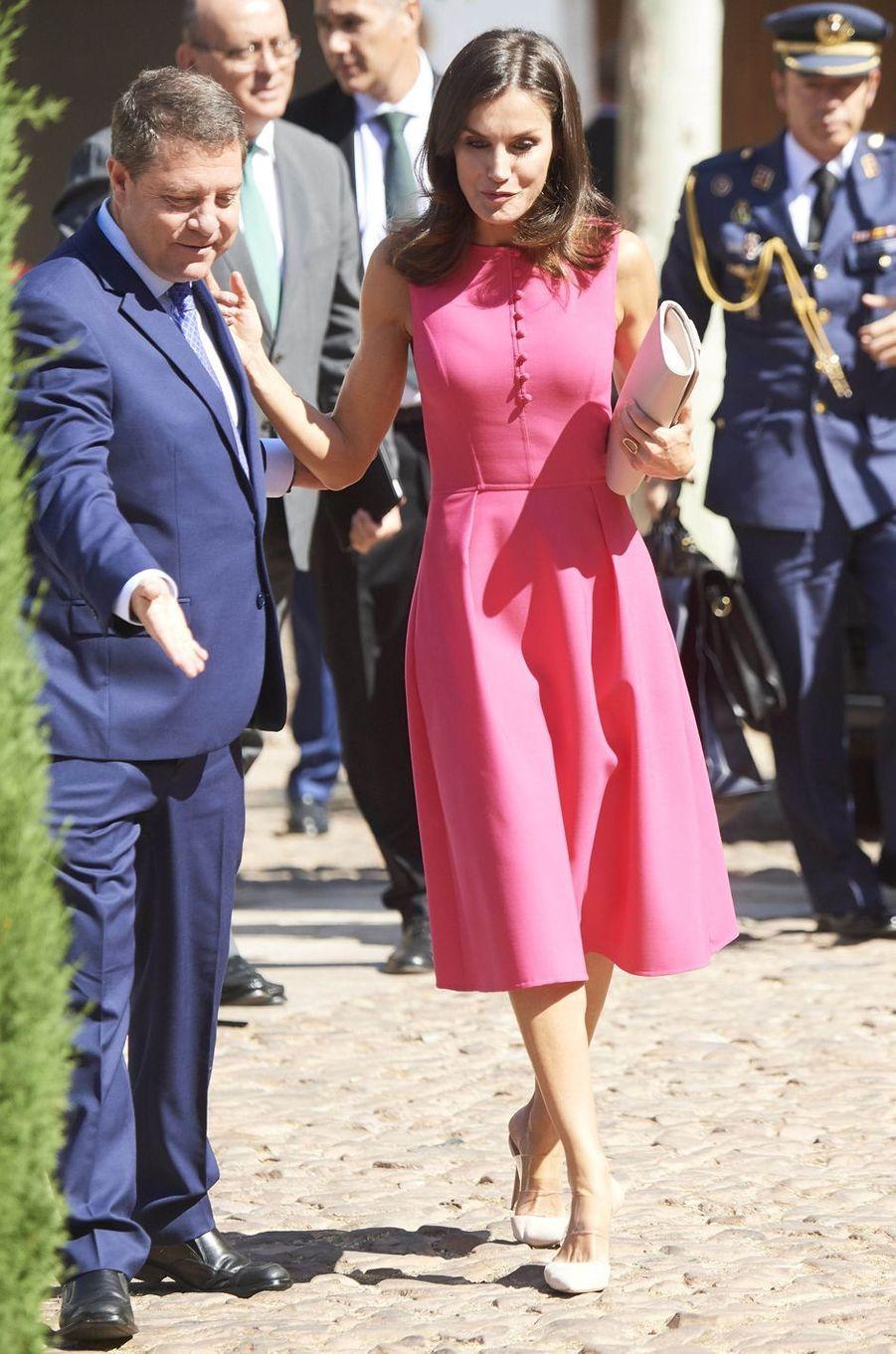 La reine Letizia d'Espagne en Carolina Herrera à Almagro, le 9 juillet 2019