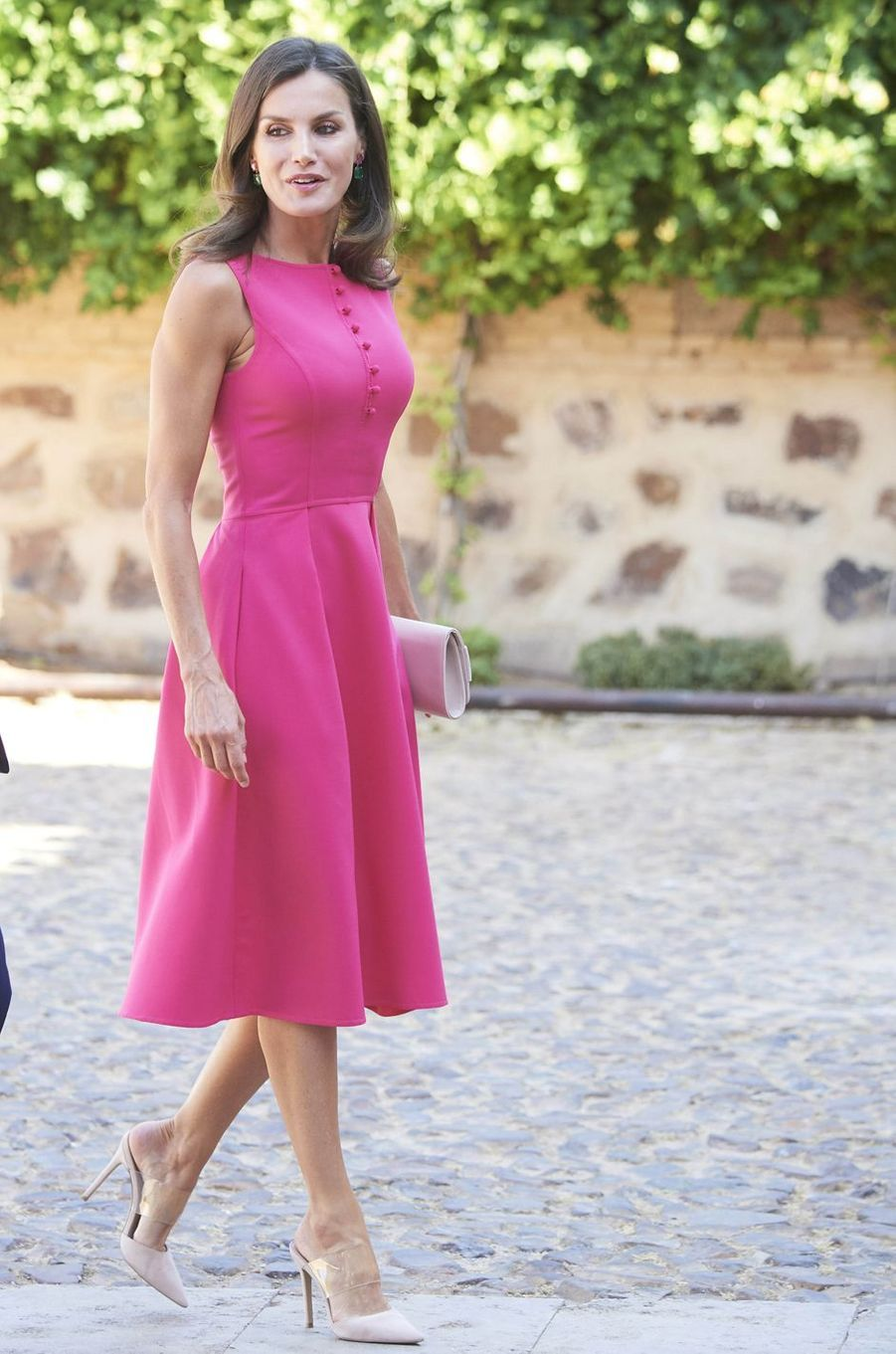 La reine Letizia d'Espagne dans une robeCarolina Herrera à Almagro, le 9 juillet 2019