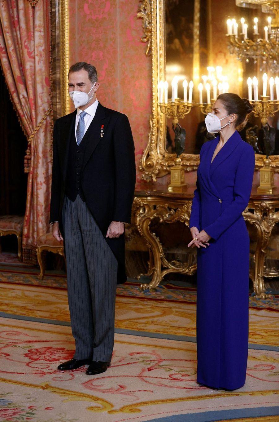 Le roi Felipe VI et la reine Letizia d'Espagne à Madrid, le 28 janvier 2021