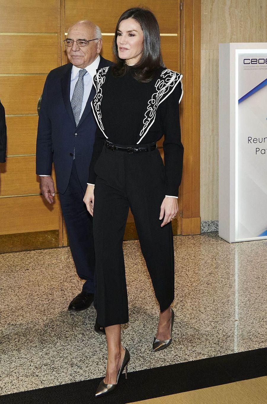 La reine Letizia d'Espagne, en black & white, à Madrid le 10 décembre 2019