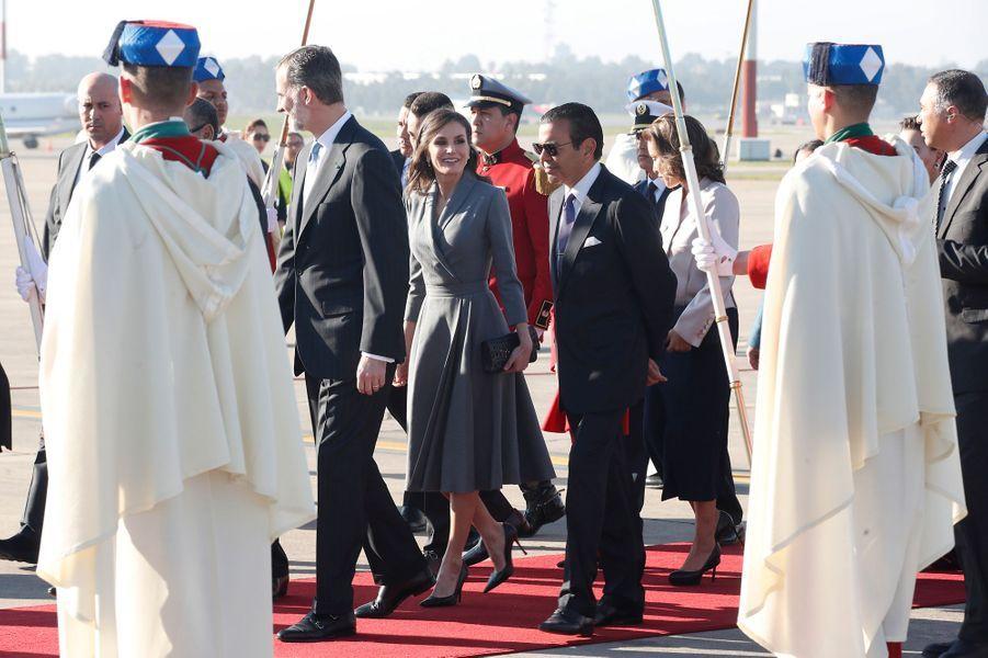 La reine Letizia et le roi Felipe VI d'Espagne à leur arrivée au Maroc, le 13 février 2019