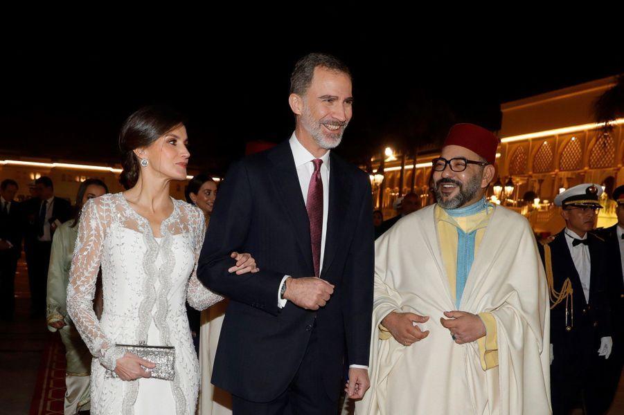 La reine Letizia et le roi Felipe VI d'Espagne avec le roi Mohammed VI du Maroc à Rabat, le 13 février 2019