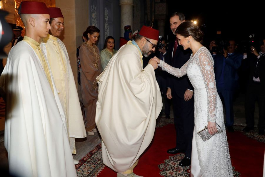 La reine Letizia et le roi Felipe VI d'Espagne avec le roi Mohammed VI et la famille royale du Maroc à Rabat, le 13 février 2019
