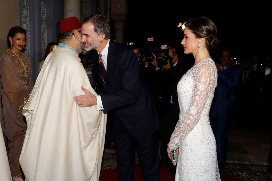La reine Letizia et le roi Felipe VI d'Espagne avec le roi Mohammed VI du Maroc et ses soeurs à Rabat, le 13 février 2019
