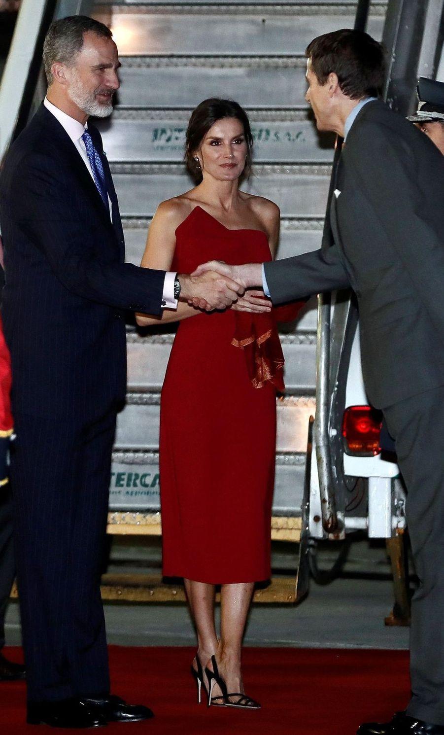 La reine Letizia et le roi Felipe VI d'Espagne à leur arrivée à Cordoba, le 26 mars 2019