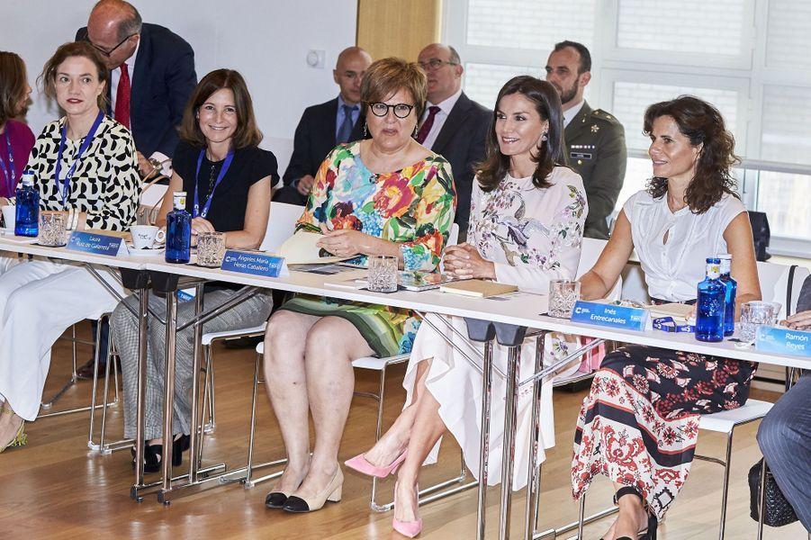 La reine Letizia d'Espagne à un sommet sur la recherche sur le cancer à Madrid, le 8 juillet 2019