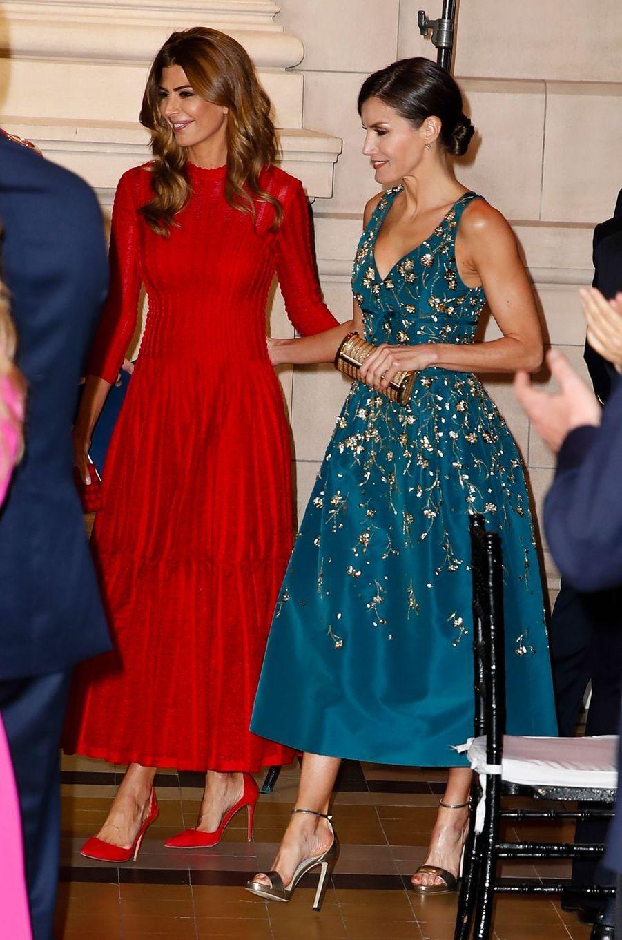 La reine Letizia d'Espagne avec la First Lady d'Argentine à Buenos Aires, le 25 mars 2019