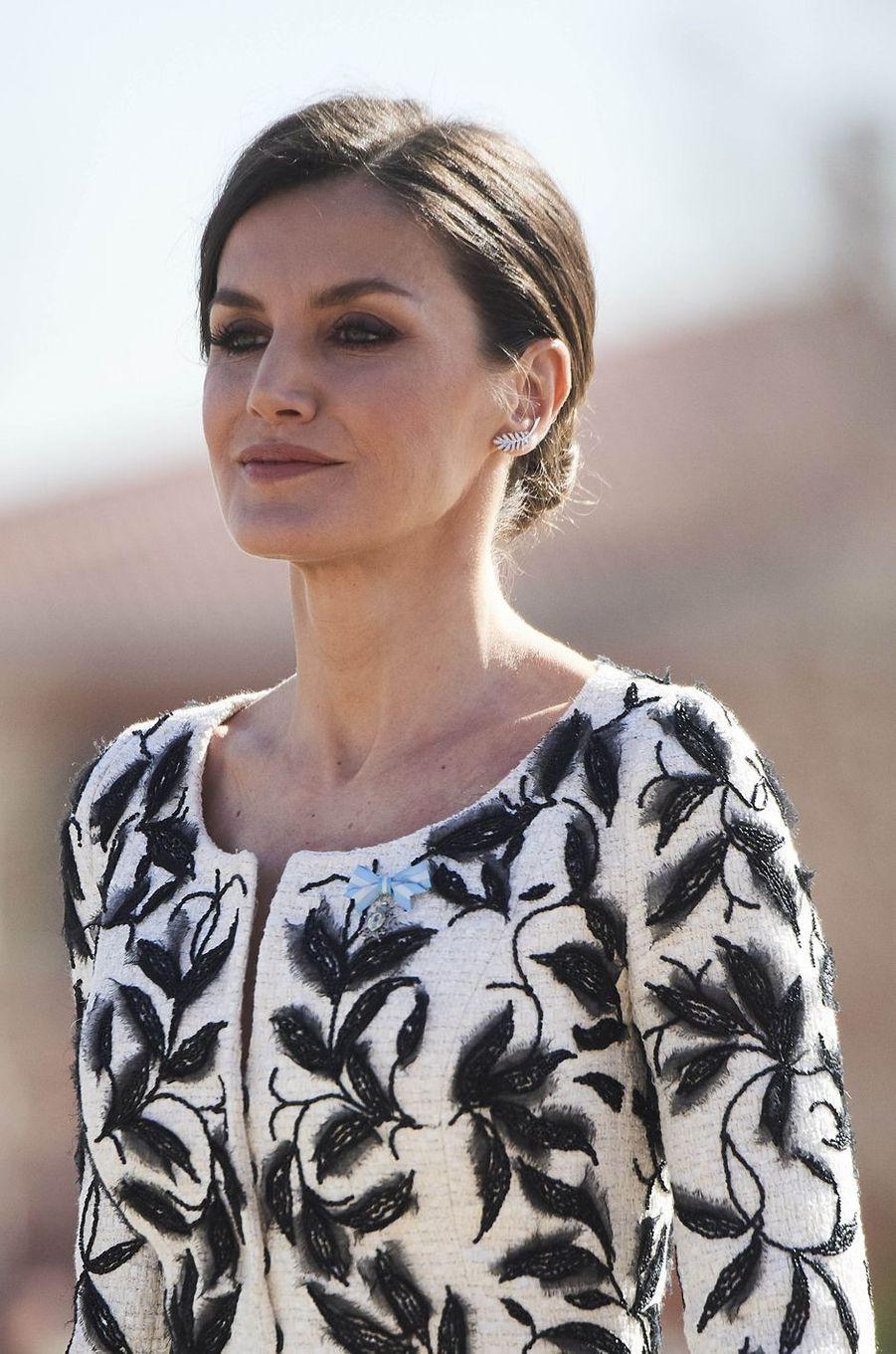 La reine Letizia d'Espagne à Paracuellos del Jarama, le 23 février 2019