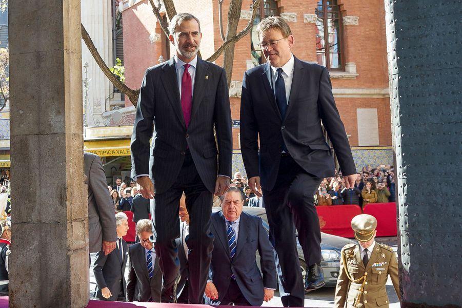 Le roi Felipe VI d'Espagne en solo à Valence, le 7 novembre 2018
