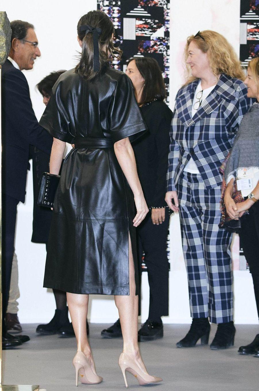 La reine Letizia d'Espagne, de dos, à Madrid, le 28 février 2019