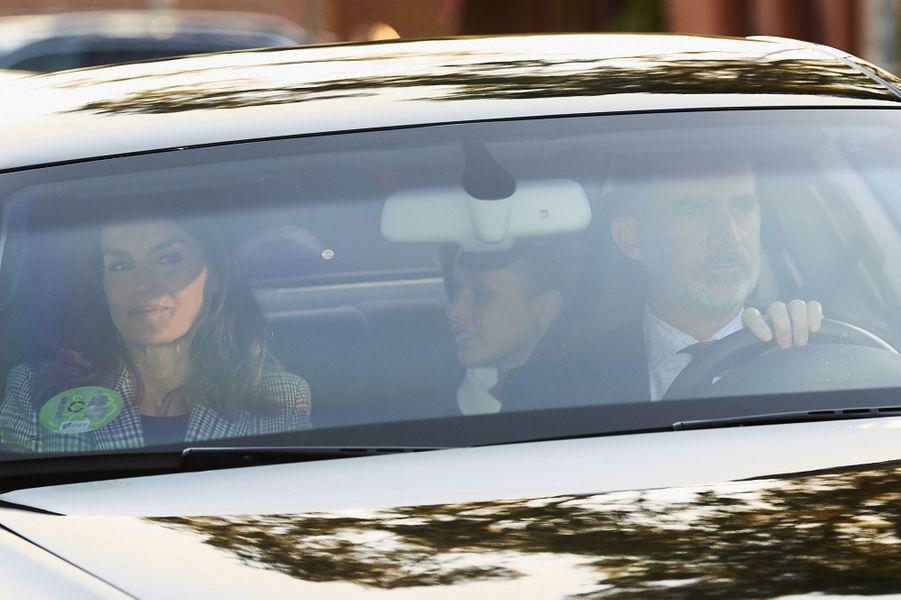 Le roi Felipe VI et la reine Letizia d'Espagne avec les princesses Leonor et Sofia à Madrid, le 11 septembre 2019