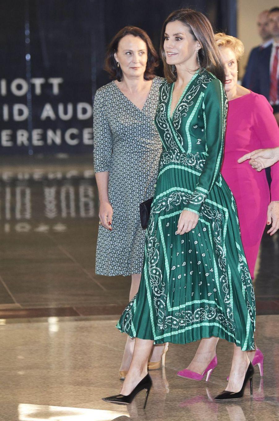 La reine Letizia d'Espagne dans une robe Sandro à Madrid, le 13 décembre 2018