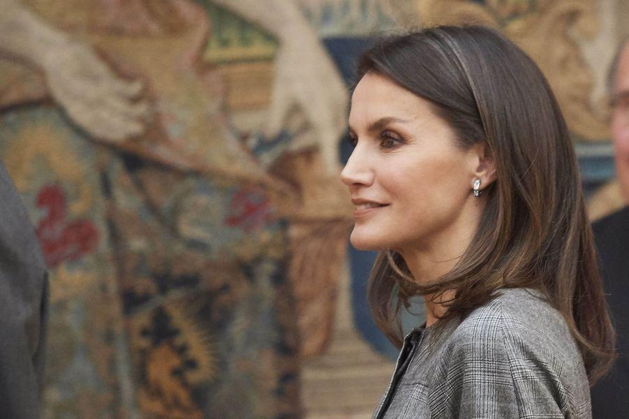 Les boucles d'oreille de la reine Letizia d'Espagne à Madrid, le 21 février 2019