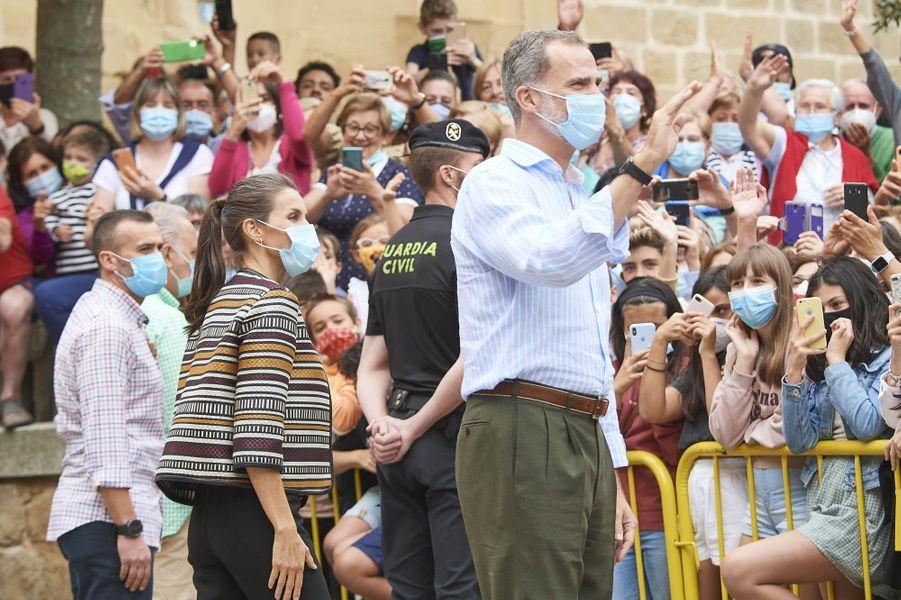 La reine Letizia et le roi Felipe VI d'Espagne dans la région de La Rioja, le 10 juillet 2020