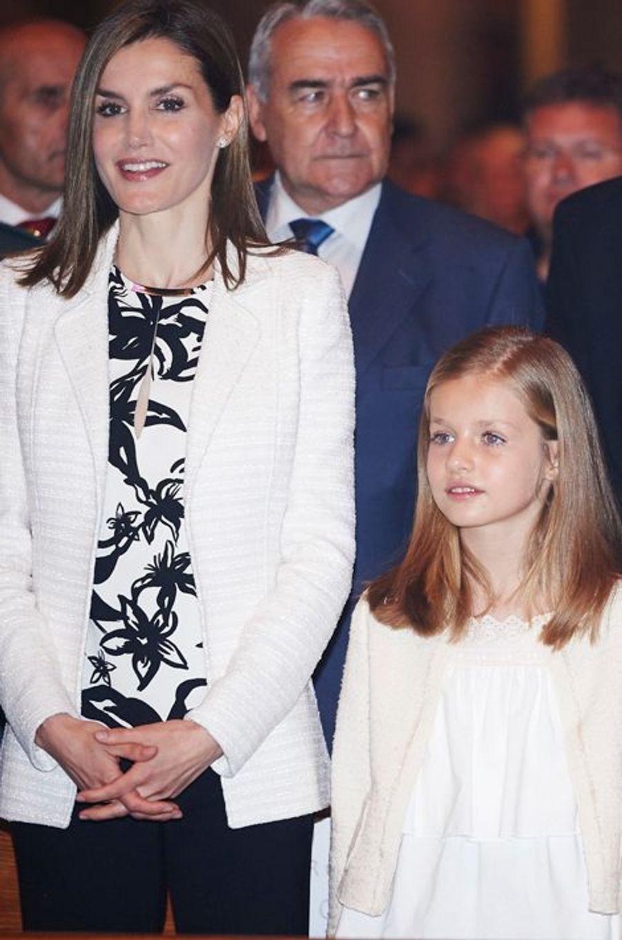 La reine Letizia et la princesse Leonor d'Espagne à Palma de Majorque, le 5 avril 2015