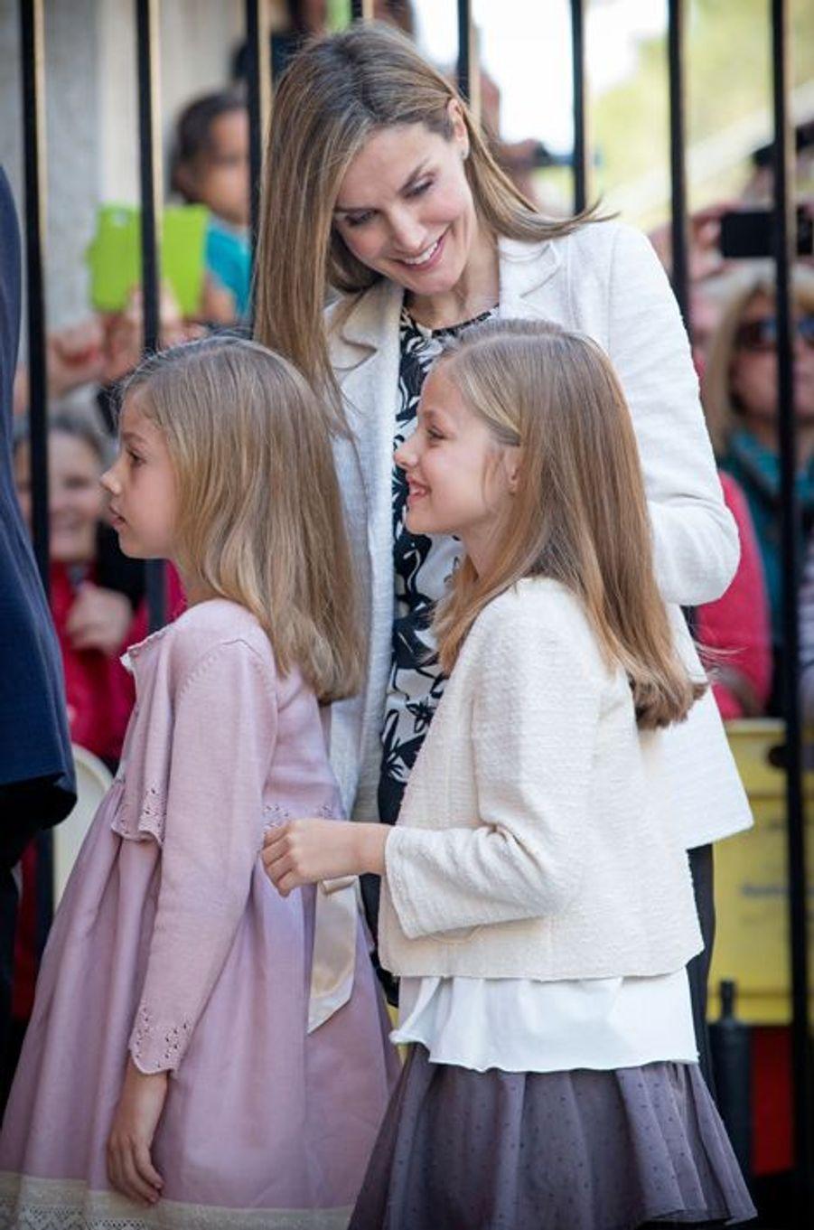 La reine Letizia et les princesses Leonor et Sofia d'Espagne à Palma de Majorque, le 5 avril 2015