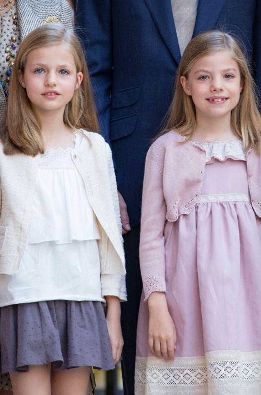 Les princesses Leonor et Sofia d'Espagne à Palma de Majorque, le 5 avril 2015