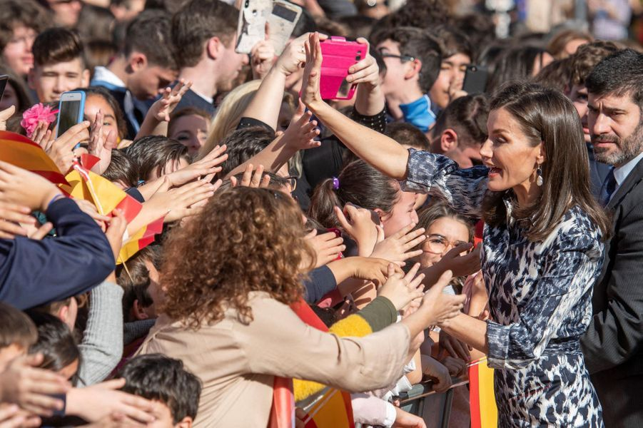 La reine Letizia d'Espagne à Ecija en Andalousie, le 6 février 2020