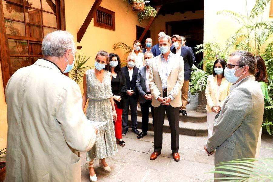 Le roi Felipe VI d'Espagne et la reine Letizia à Las Palmas de Gran Canaria aux Canaries, le 23 juin 2020