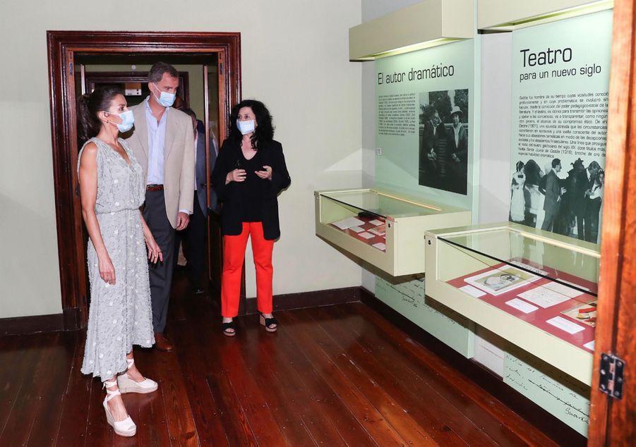 La reine Letizia et le roi Felipe VI d'Espagne à Las Palmas de Gran Canaria aux Canaries, le 23 juin 2020