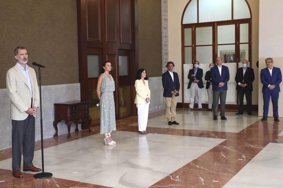 La reine Letizia et le roi Felipe VI d'Espagne à Las Palmas de Gran Canaria, le 23 juin 2020