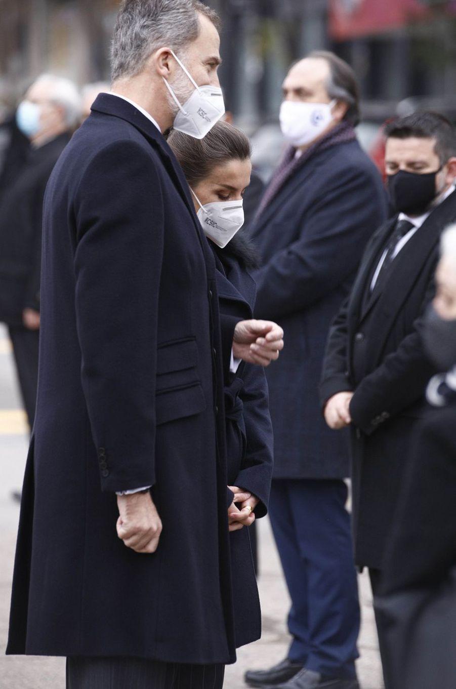 Le roi Felipe VI et la reine Letizia d'Espagne à Madrid, le 18 décembre 2020