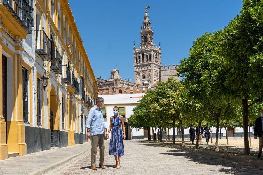 La reine Letizia et le roi Felipe VI d'Espagne à Séville, le 29 juin 2020