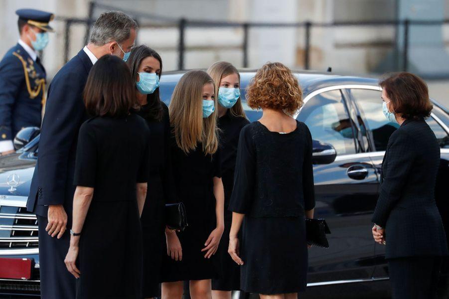 La reine Letizia et le roi Felipe VI d'Espagne avec leurs deux filles à Madrid, le 6 juillet 2020