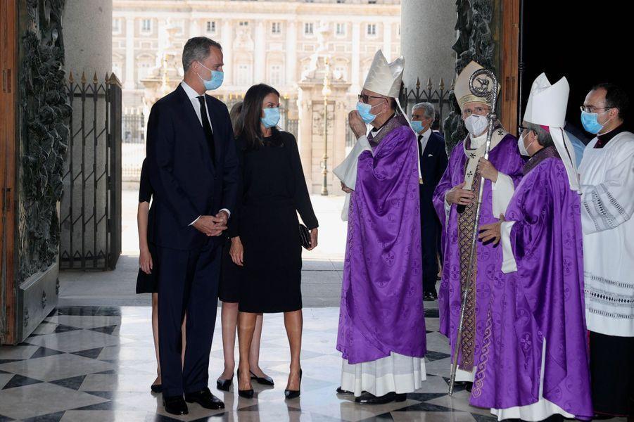 La reine Letizia, le roi Felipe VI d'Espagne et les princesses Leonor et Sofia à Madrid, le 6 juillet 2020