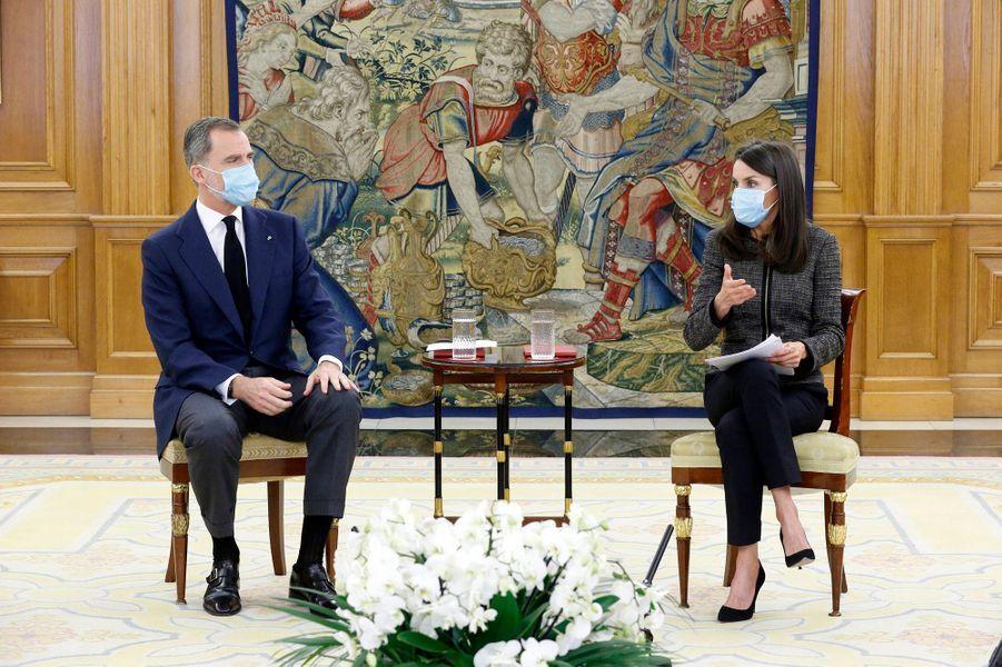 La reine Letizia et le roi Felipe VI d'Espagne en audience au palais de la Zarzuela à Madrid, le 28 mai 2020