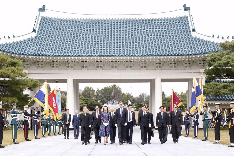 La reine Letizia et le roi Felipe VI d'Espagne à Séoul, le 23 octobre 2019