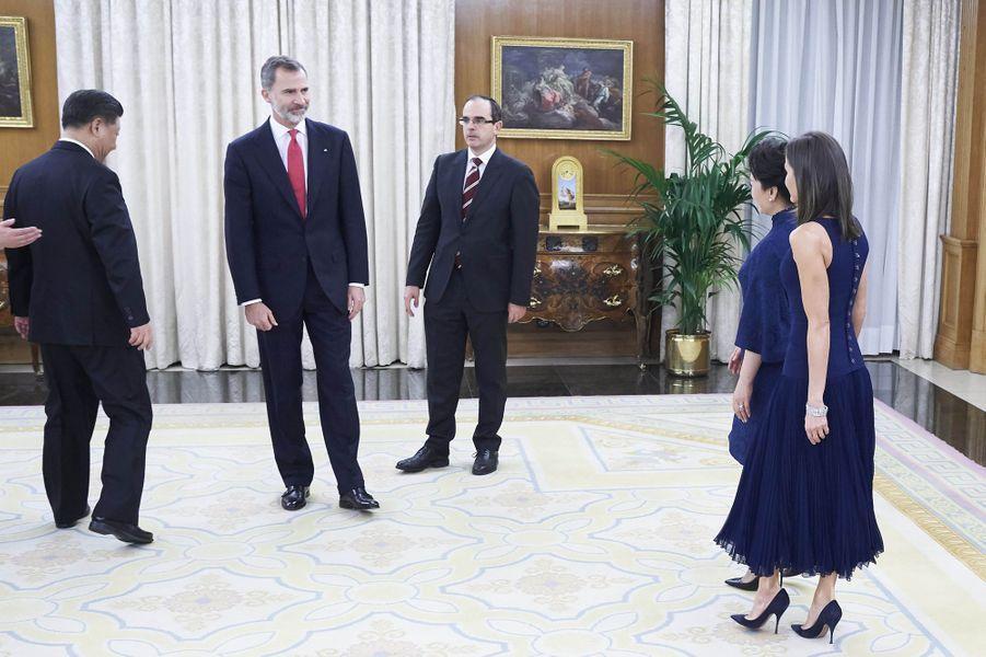 La reine Letizia et le roi Felipe VI d'Espagne avec le président chinois Xi Jinping et son épouse Peng Liyuan au palais de la Zarzuela à Madrid, le 27 novembre 2018