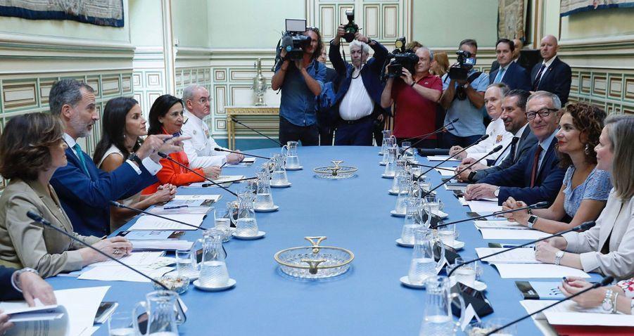 La reine Letizia et le roi Felipe VI d'Espagne en réunion à Séville, le 12 septembre 2019