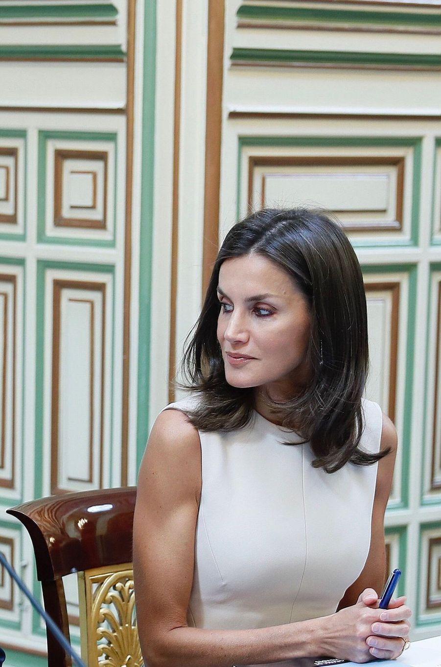 La reine Letizia d'Espagne en réunion à Séville, le 12 septembre 2019