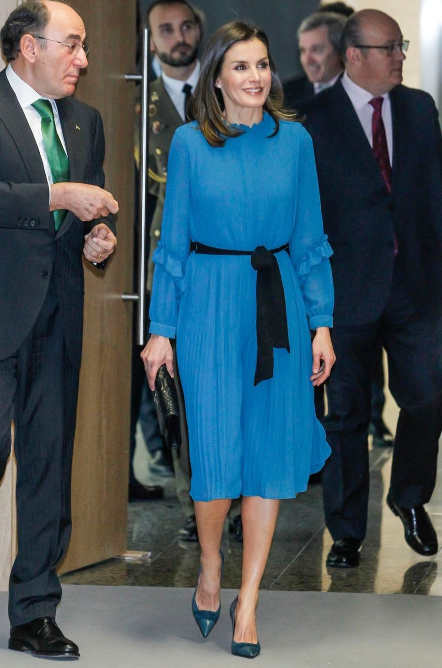 La reine Letizia d'Espagne en Zara à Madrid, le 31 janvier 2019