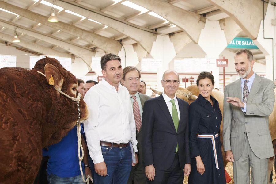 La reine Letizia et le roi Felipe VI d'Espagne dans une foire agricole à Salamanque, le 5 septembre 2018