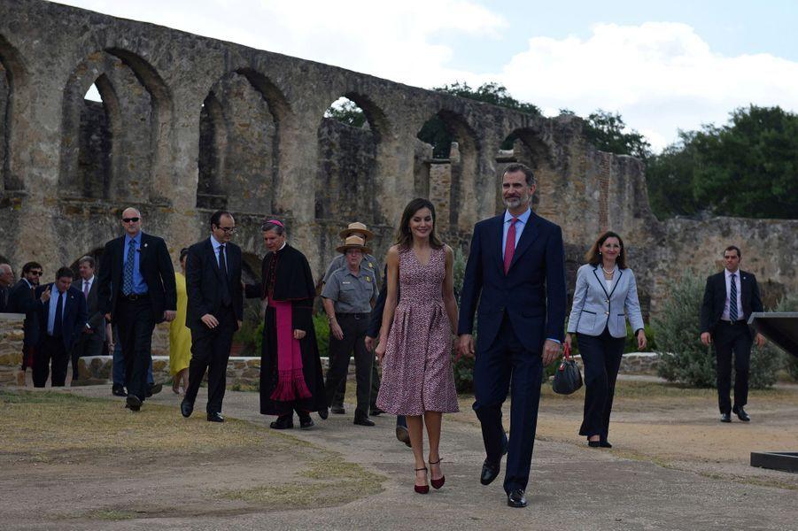 La reine Letizia et le roi Felipe VI d'Espagne à la Mission de San José à San Antonio, le 17 juin 2018
