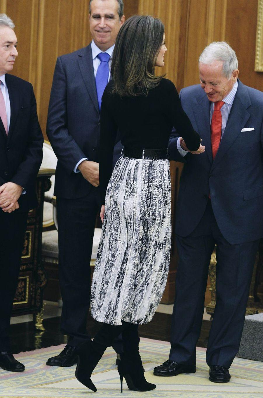 La reine Letizia d'Espagne dans une jupe Zara à Madrid, le 18 janvier 2019
